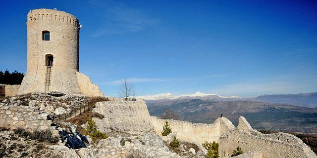 1---Bominaco-castello